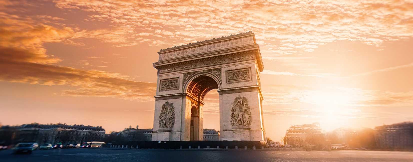 Triumfbuen, Paris